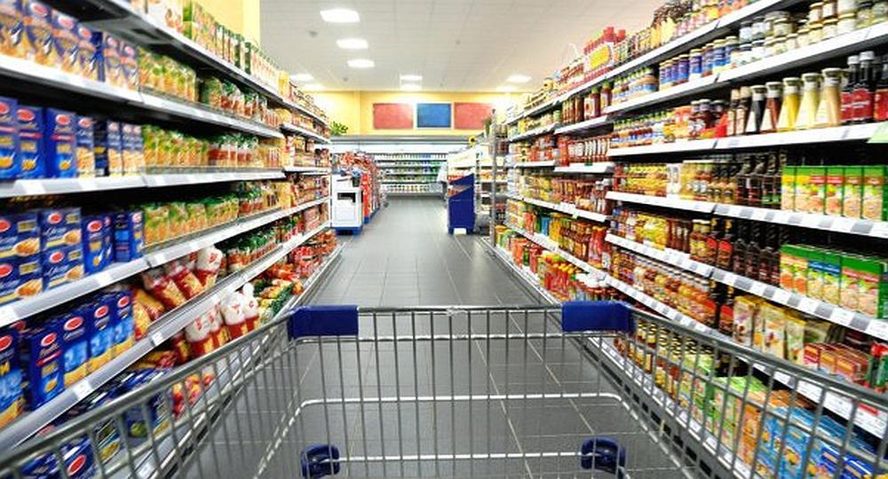 Las ventas en súper y shopping se derrumbaron en enero