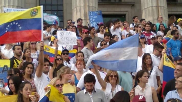 Sólo en enero ingresaron casi 10 mil venezolanos a la Argentina